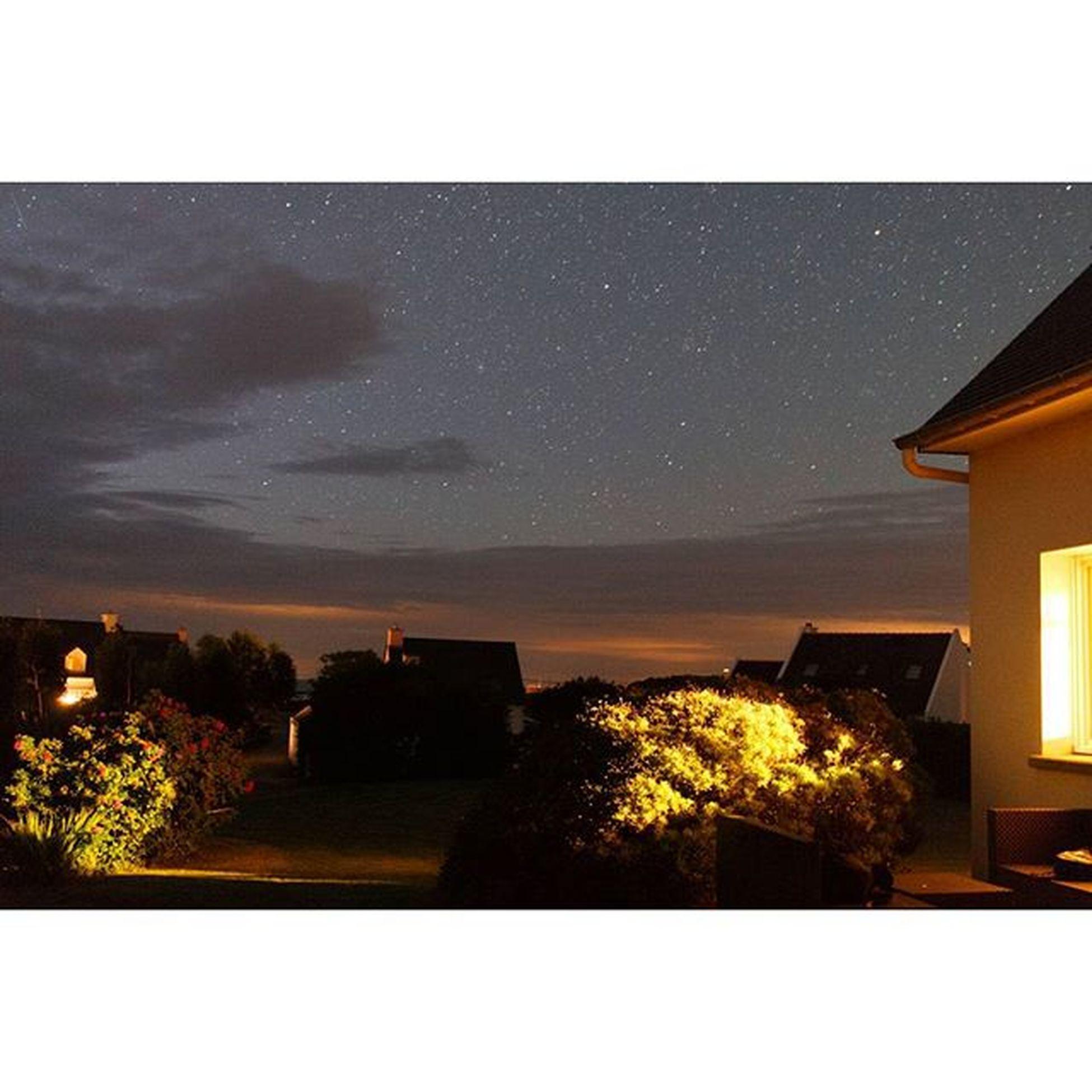 Dark and light Pleubian Larmorpleubian Brittany Bretagne Night Lowlight Dark Darkness Light Nacht Licht France Frankreich Sterne  Sternenhimmel Stars