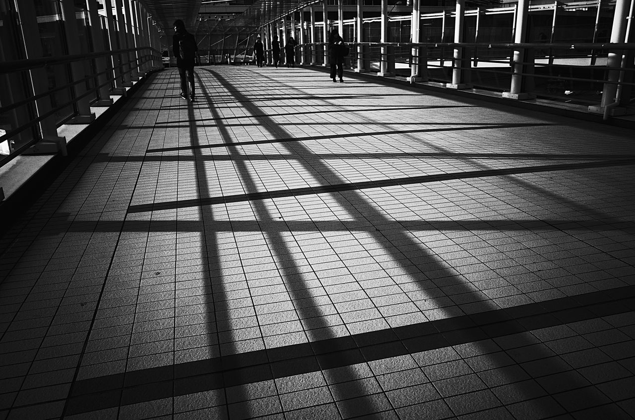 Built Structure Day Architecture Blackandwhite Still Life Black And White Blackandwhite Photography Snapshots Of Life Tokyo Street Photography Streetphoto_bw Japan Photography Architecture People City Monochrome Pattern Shadow Shadows & Lights Lines Lines And Patterns Fine Art
