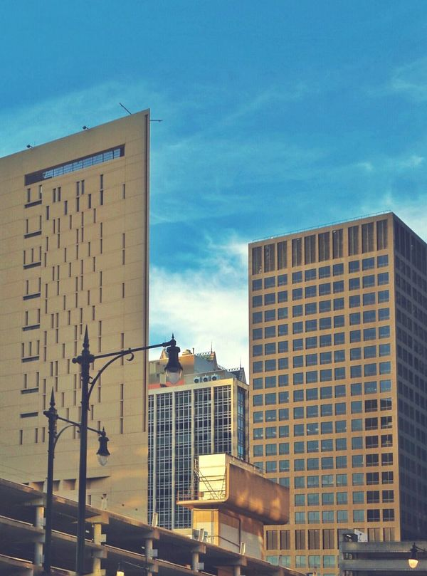 My City Chicago Chicago Architecture Urban Retrostyle Architecture Architecturelovers Windows Elevated Track Skyrises