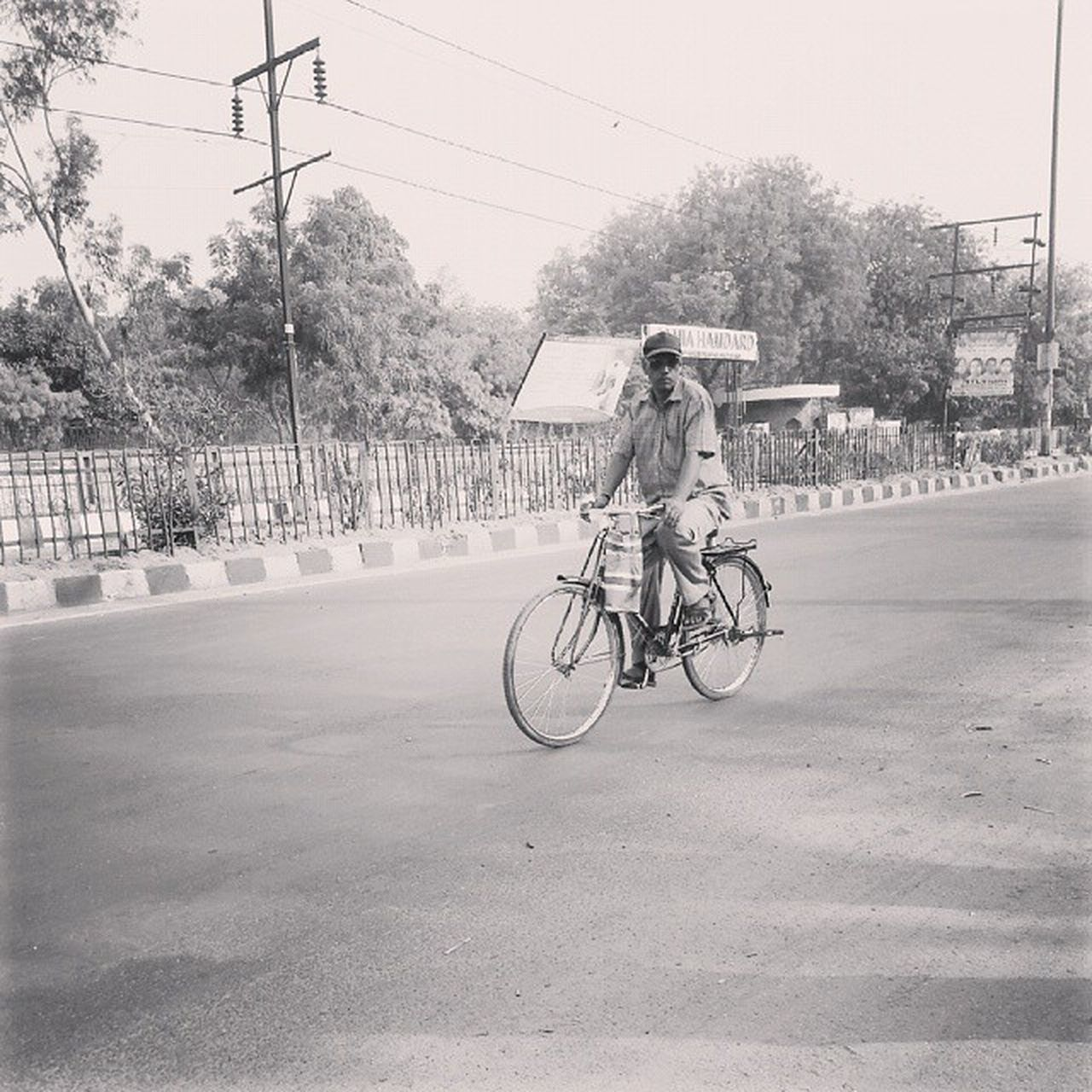 Morning... Its office time. Click by Live Life Moments Streetgram Streetphotography Delhi Travel Office ILoveMyself Instapic Instaclick India Cycling Officework Work Morning Time Photography _llm _soi India Road DelhiGram Delhi Delhidiaries Live_lifemoments Celebrate Your Ride
