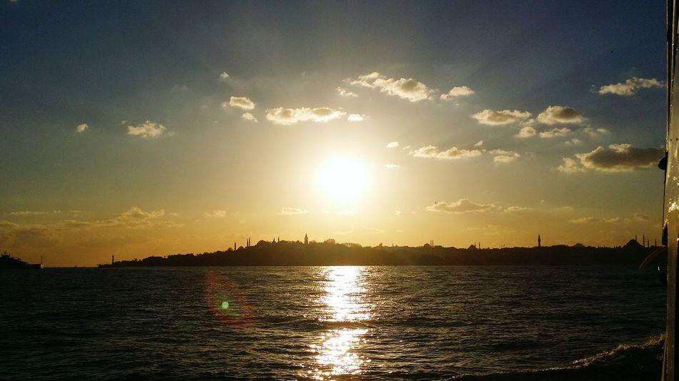 Istanbul Turkey Tarihiyarimada Günbatımı Deniz Yakamoz Anıyakala Istanbuldayasam Istanbul - Bosphorus