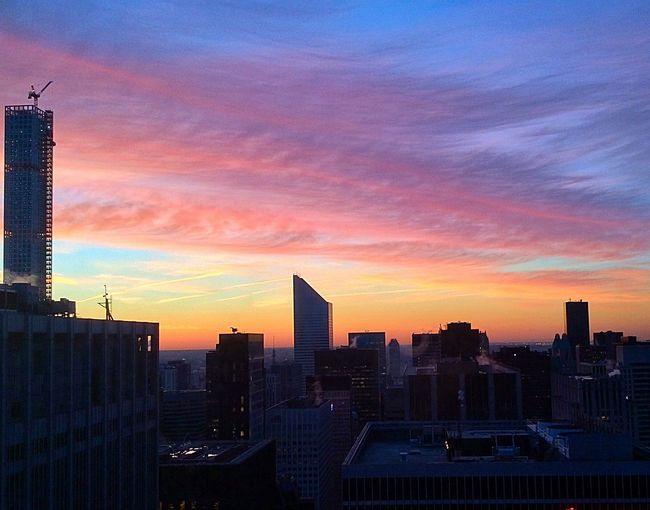 Dawn Of A New Day Over Manhattan Sunrise_sunsets_aroundworld Cool_capture_ Newyorkcity Lovenewyork