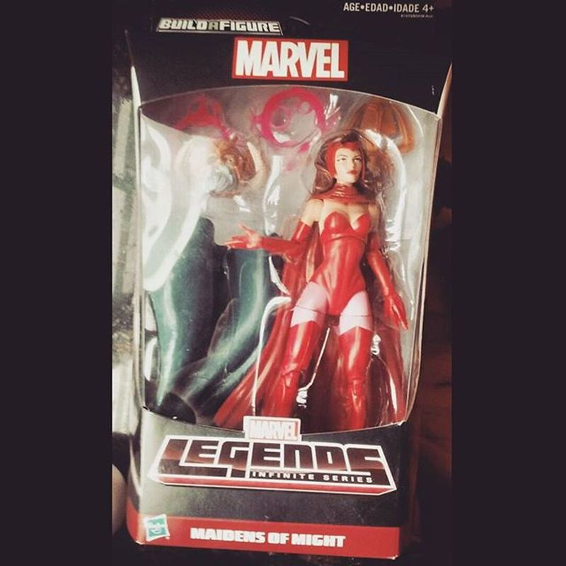 Holy crap man i'm so damn lucky i've been looking for this figure for months and i found her only for freaking 15 bucks in some store! Man i can't be any happier atm! If it werent for my bro @frank156 i would have never been able get this thanks bro i love yah! 😄😀 Marvellegends Hasbro Wandamaximoff Avengers AgeOfUltron Figures Nerd Figurecollection Disney Theavengers Actionfigures Actionfigurephotography Comics Infiniteseries Baf Collection ScarletWitch Xmen Mcu Marvel Marvelentertainment Theavengers
