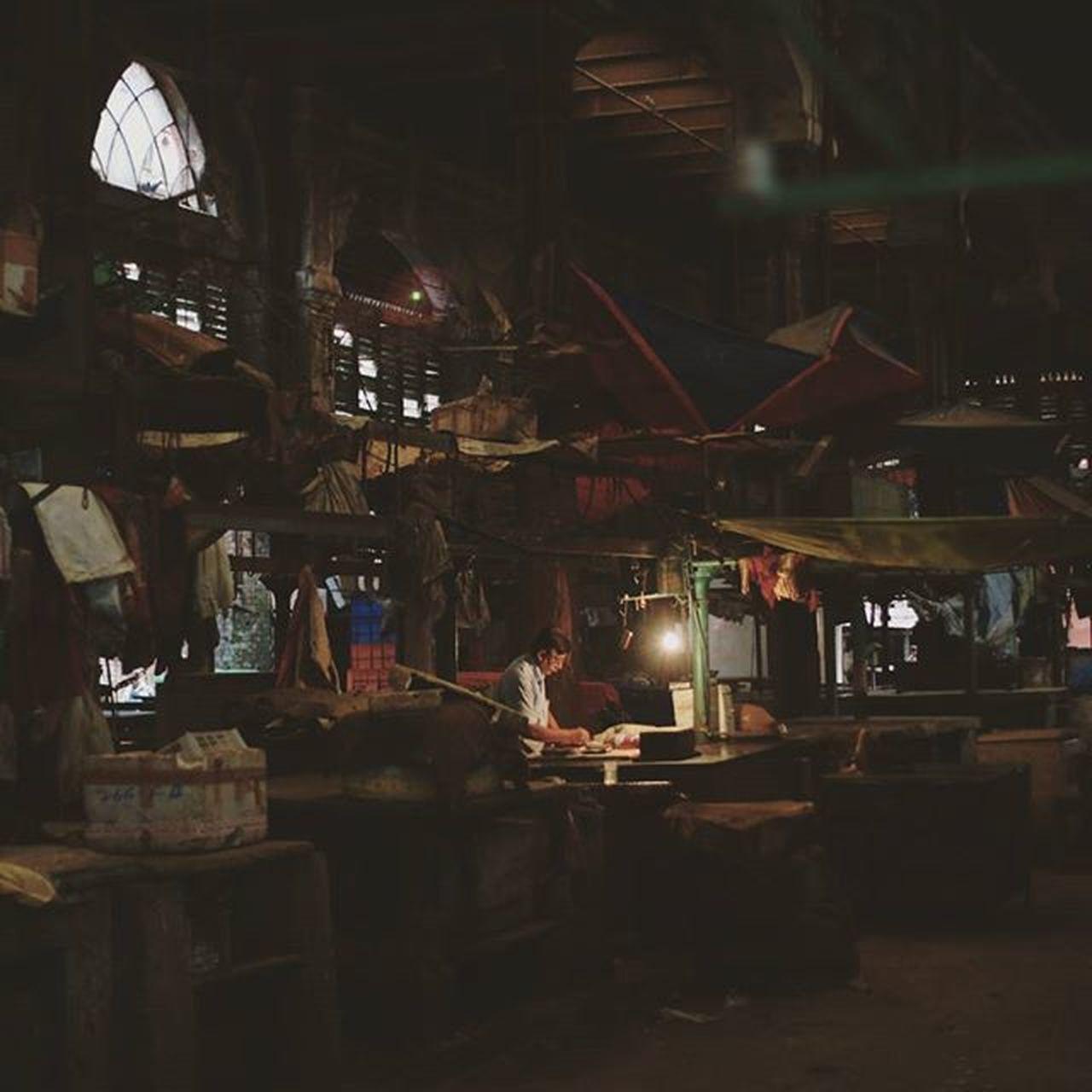 Last man standing India Light Marketplace Market Loner Life