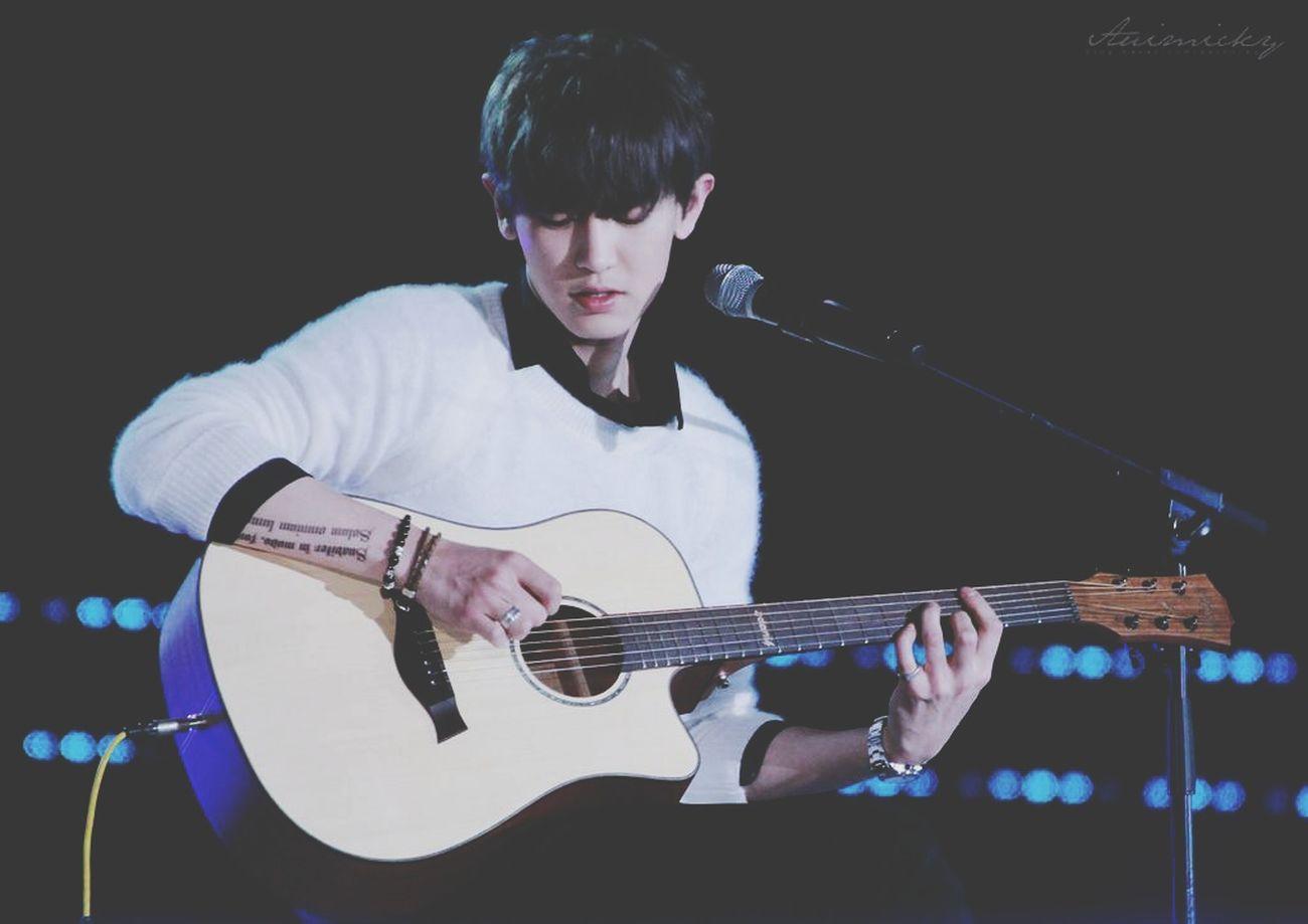 Guitar Chanyeol EXO Exok Musicbank Hanoi Handsome Gentleness Monochrome Photooftheday