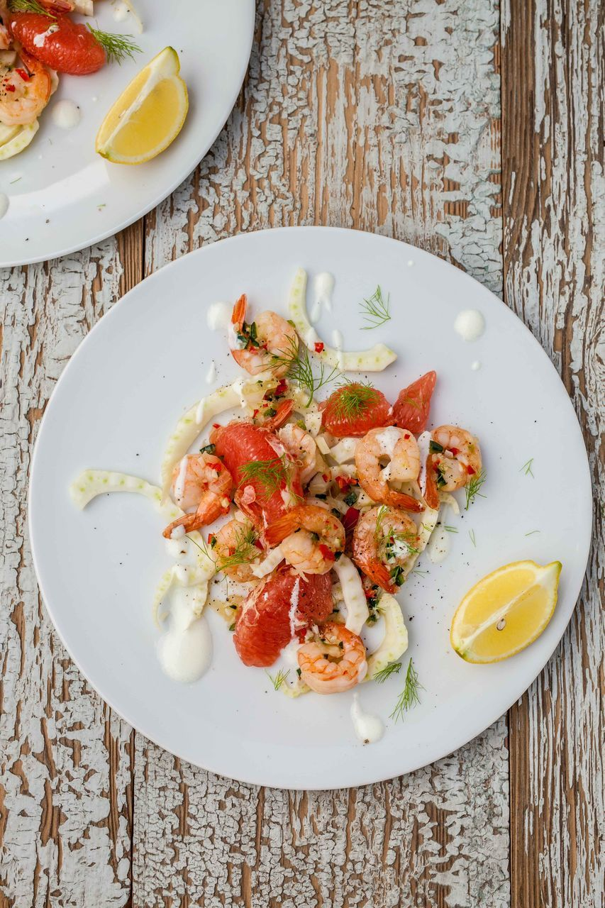 plate, food, food and drink, freshness, healthy eating, table, seafood, serving size, ready-to-eat, no people, lime, indoors, slice, prawn, directly above, close-up, day