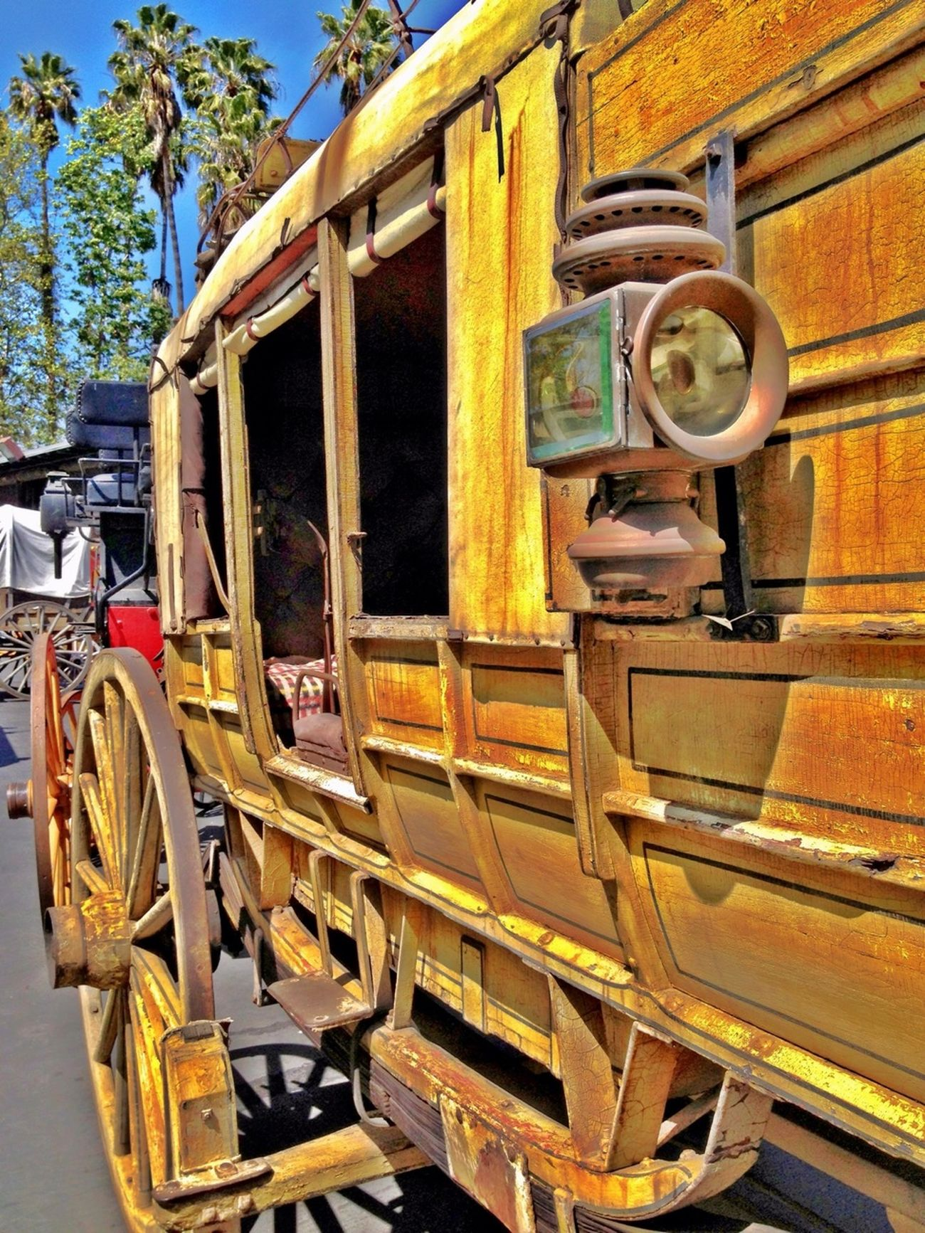 Step back in time... Old Unitedbyedit Stagecoach