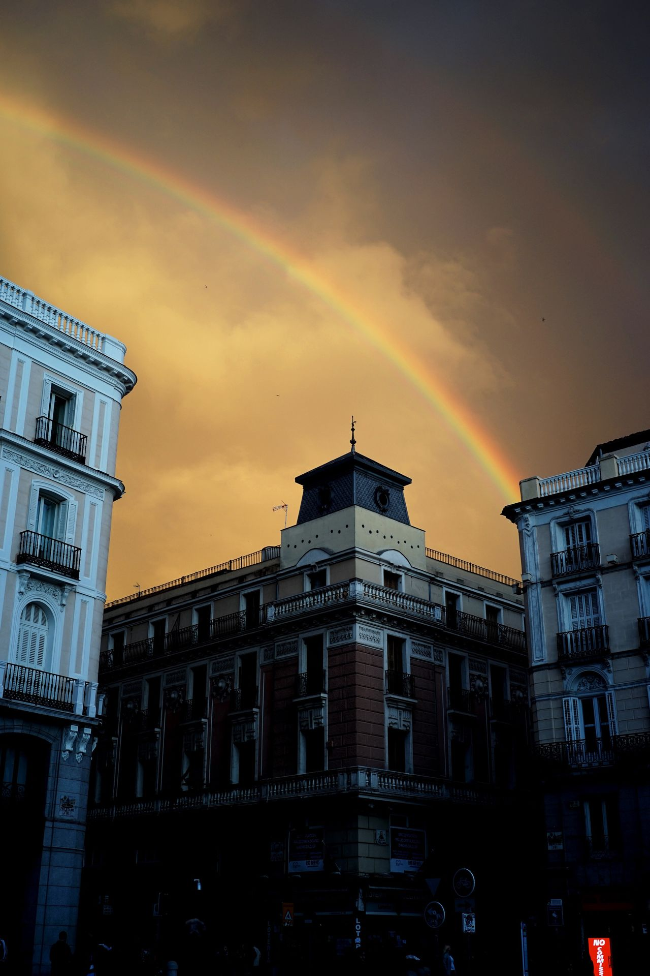 Eurotrip Rainbow City Life Europe España Cityscape Madrid SONY A7ii SPAIN Travel Travel Photography Streetphotography Magic Hour Ciudad Traveler Backpackers Backpacker Sunshine Clouds And Sky Europe Trip European Union City View  Cityscapes