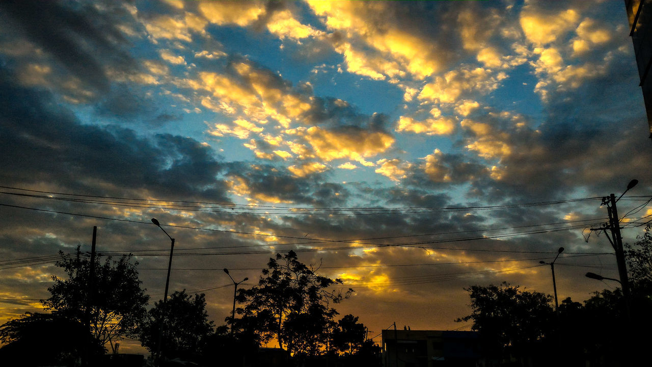 Sunset at Bangaluru💗😍 Sunset Beauty In Nature Sky Nature Dramatic Sky Cloud - Sky Orange Color Outdoors Silhouette Star - Space No People Taking Photos Photography India MyPhotography Indian Check This Out Cool Amazing PhonePhotography Asuszenfone2 Bangaluru