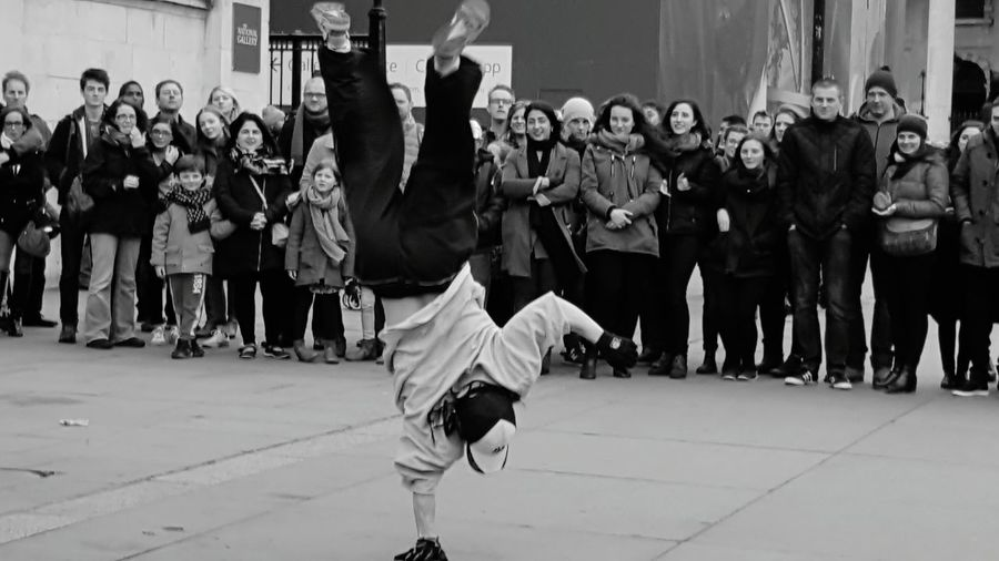 Bring it on! Large Group Of People Arts Culture And Entertainment Crowd Outdoors Performance Funtimes DANCERS ♥ Three Guys French Street Dancers Breakdancing Ayeshea Bah Fresh On Eyeem  Outdoor Photography EyeEm Gallery London Real People Black And White Friday