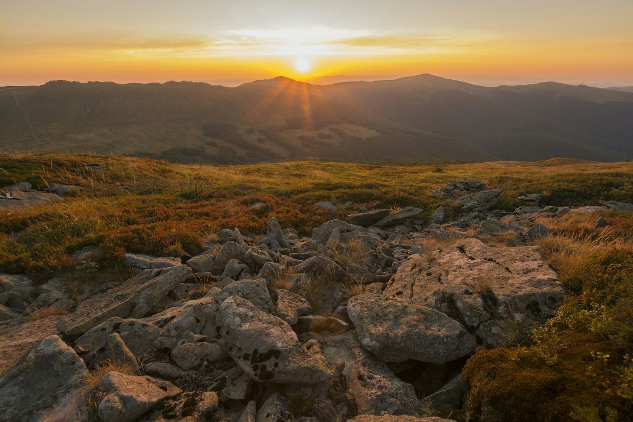 sunset, nature, mountain, scenics, beauty in nature, tranquility, tranquil scene, landscape, rock - object, no people, sun, outdoors, mountain range, sky, sunlight, day
