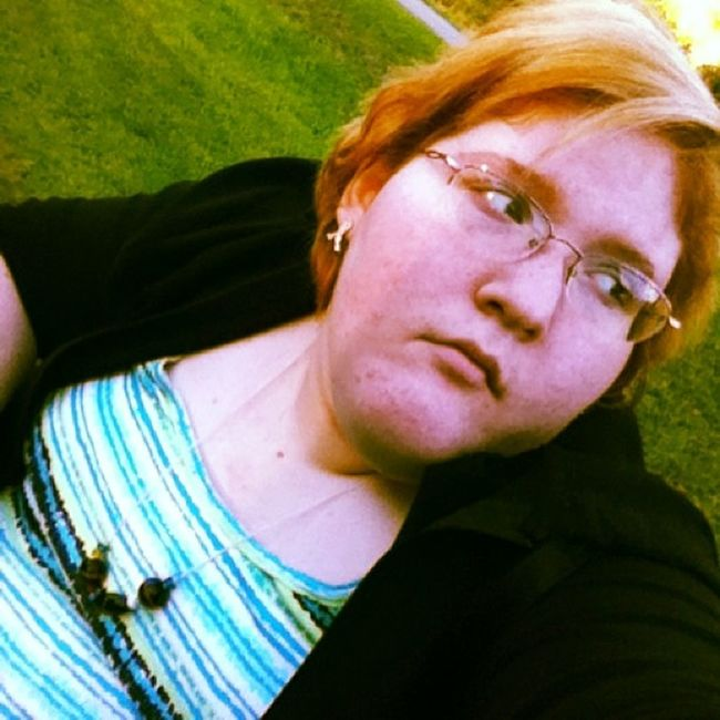 Got bored when jasmine and I were outside. Bored Blue_shirt Necklace_from_my_boyfriend Jacket Thinking