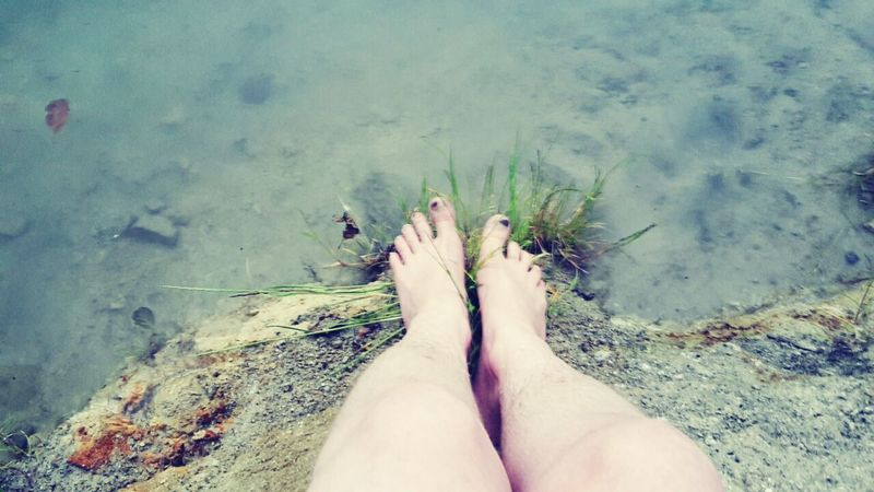 Laketime Summer Water Nature LivingLife Sand Leaves🌿 Feet Lake Grass Colorful Skin Fresh On Market August 2016 Feel The Moment Plants 🌱 Green Blue Breathe Feel The Nature Tiptoes Stone Summertime Living Life Lake Eyeemphoto