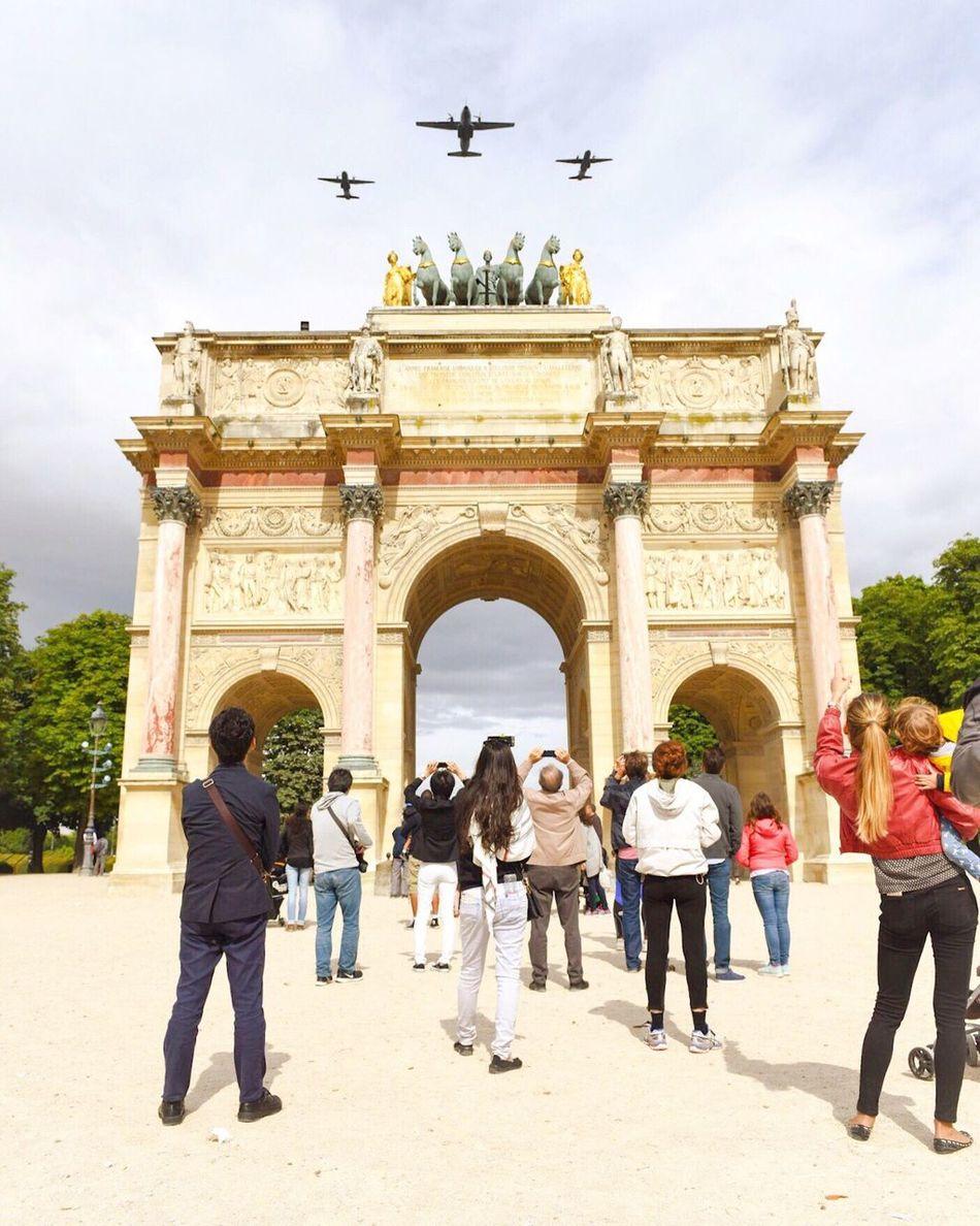 Bon 14 Juillet à tous! Happy 14th July! 14 Juillet Paris EyeEm Best Shots Paris ❤ Photooftheday Parisweloveyou Streetphoto_color Eyem Best Shot - Architecture 14juillet2016