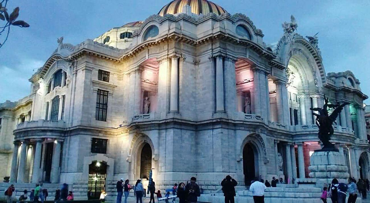 Palacio De Bellas Artes. Beautiful ♥ CDMX ❤ Mexico City Architecture Famous Place Ancient Architecture Turistic Place EyeEm ❤❤ EyeEm Best Edits Unfiltered