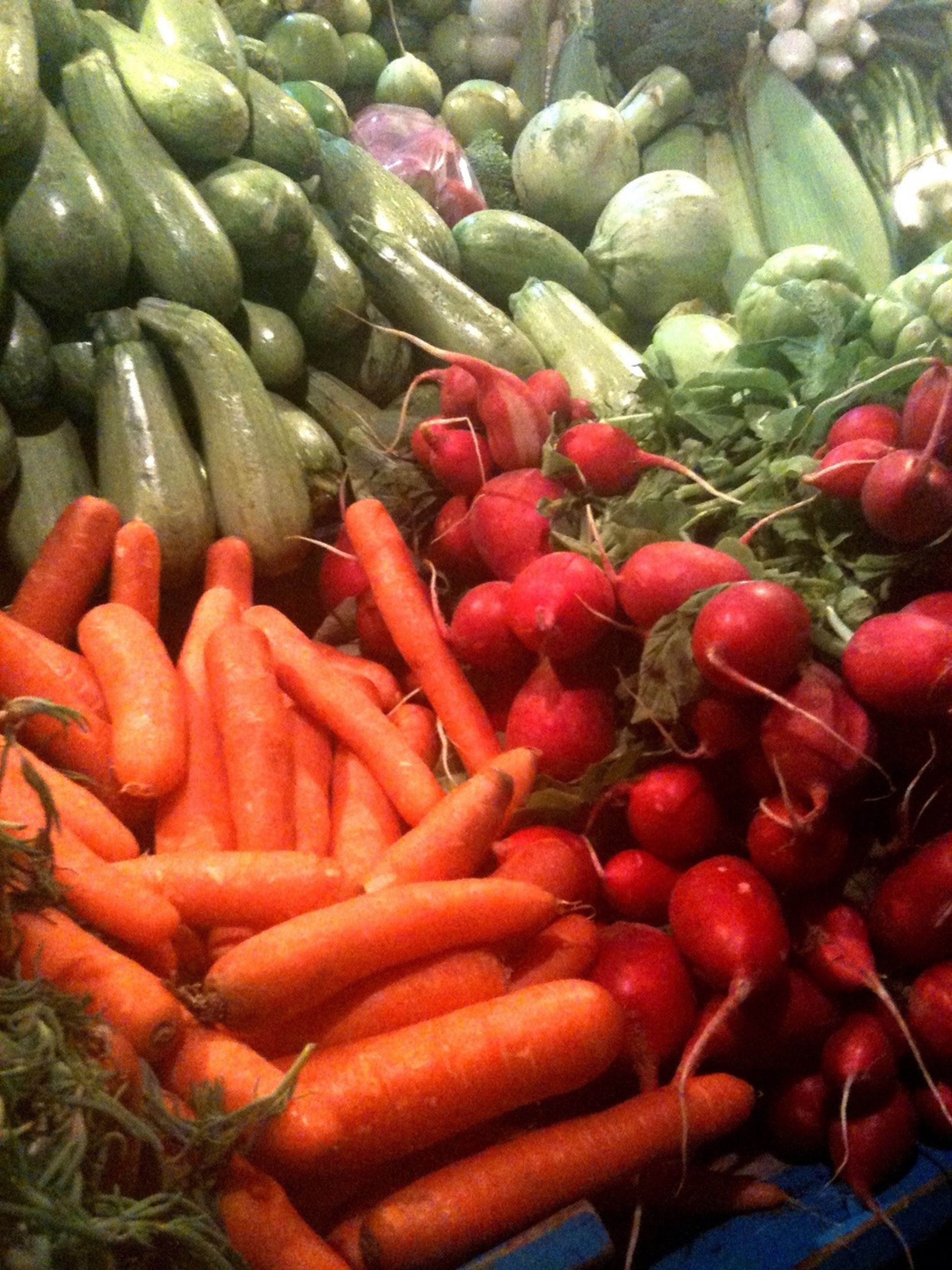 freshness, healthy eating, food and drink, food, full frame, abundance, large group of objects, vegetable, for sale, backgrounds, red, market, market stall, retail, high angle view, still life, raw food, heap, organic, close-up