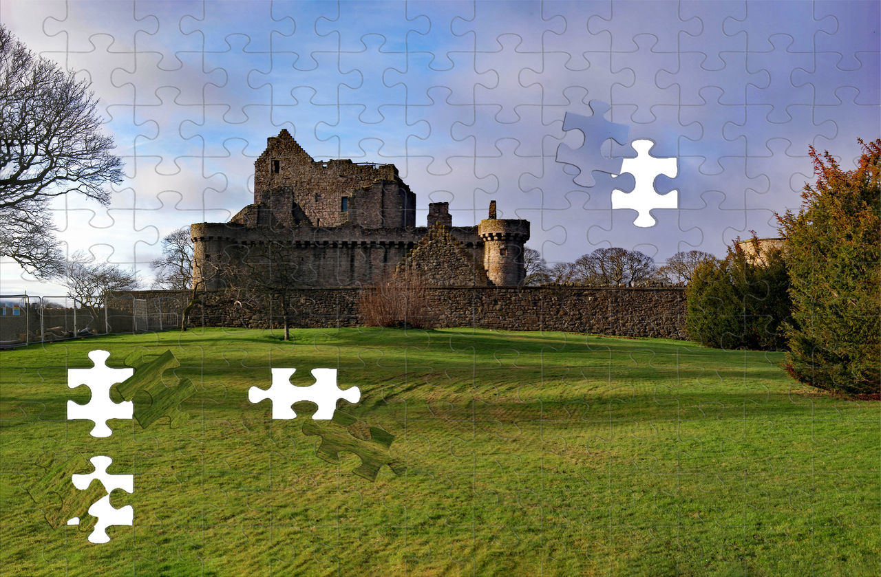 Craigmillar Castle is very near to the Edinburgh Royal Infirmary Hospital Architecture Building Exterior Castle Ruin Castle Tower Castle View  Craigmillar Castle Craigmillar Castle Puzzle Day Jigsaw Puzzle No People Outdoors Sky