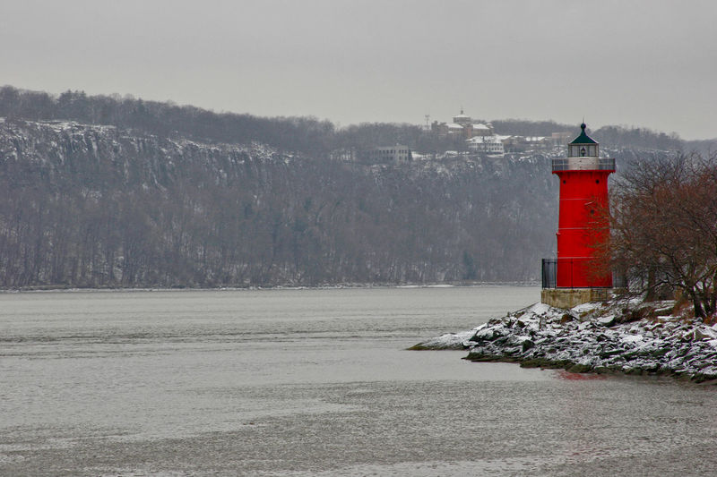 Hudson River Hudson River Ny Lighthouse Little Light Little Red Lighthouse Mountain Safe Safety Snow Red Red Color Red Tower Lighthousephotography Lighthouse_lovers Lighthouse_captures Lighthouse Tower Hudsonriver