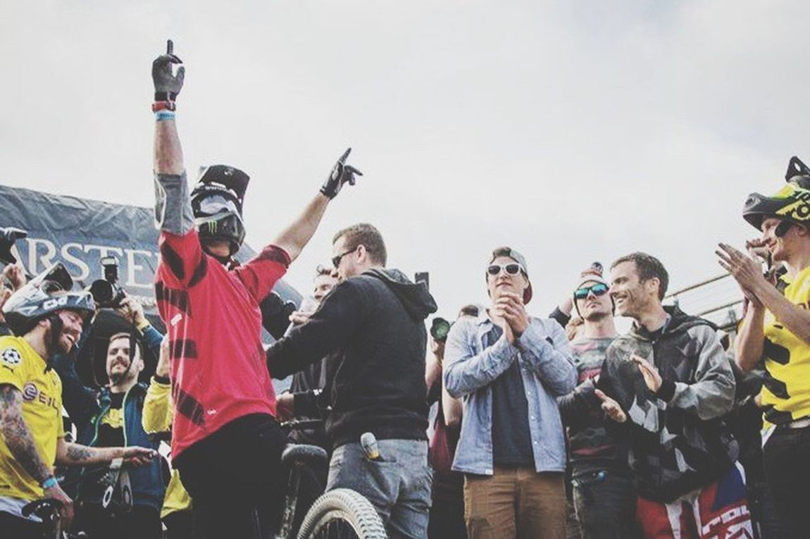 The Color Of Sport Sport Sports Photography OurLifeStyle Mountainbiking Mountainbikelife Large Group Of People Leisure Activity Togetherness Casual Clothing Men Sky Crowd Outdoors Event Performance Canonphotography Madeby FlexoGrafie