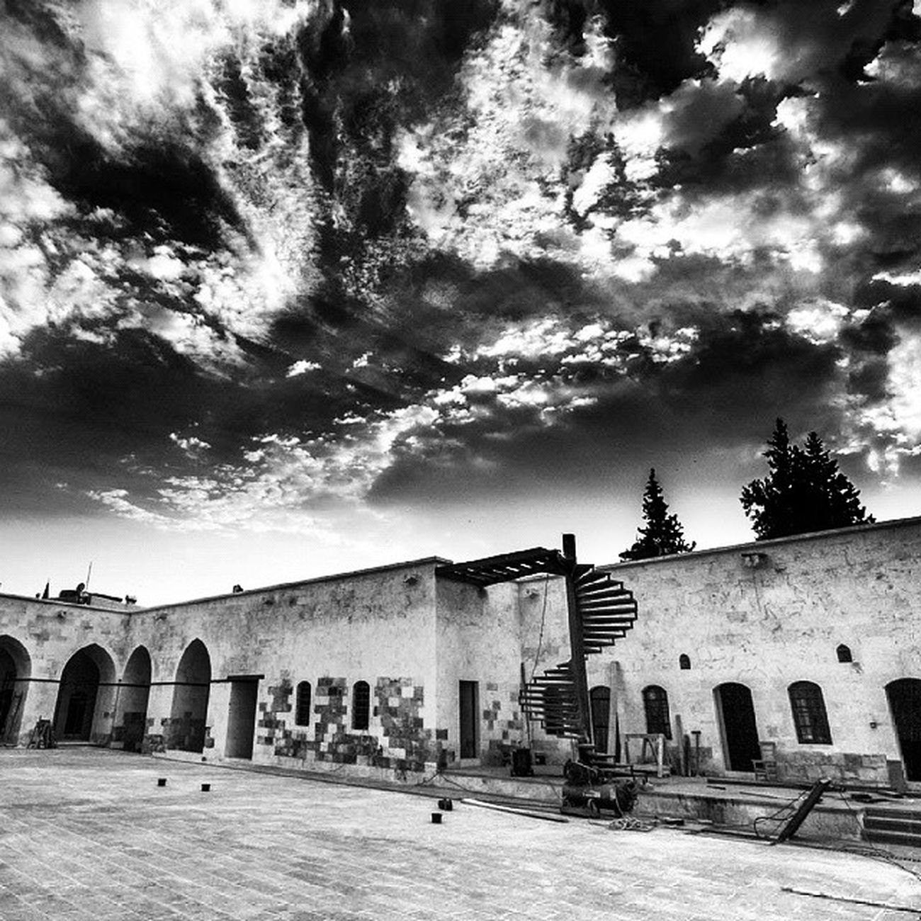 Gaziantep Hışva Han Blackandwhite bnw monochrome instablackandwhite sky monoart insta_bw bnw_society bw_lover bw_photooftheday photooftheday bw instagood bwstyleoftheday monotone monochromaticnoir fineart_photobw f69 nadirozkan