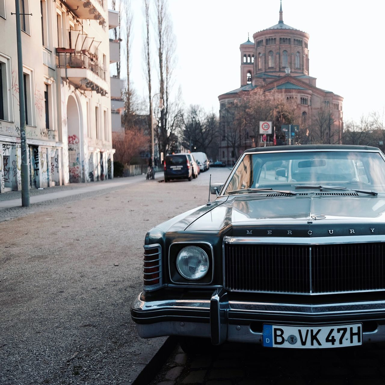Car Old-fashioned Old City Building Exterior Transportation The Past Architecture Built Structure History Outdoors No People Day Collector's Car