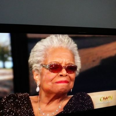 Watching the legendary Maya Angelou interview with @oprah. These are they type of women I idolize! Not strippers, twerkers, or messy reality star chicks! RareBreed Cutfromadifferentcloth