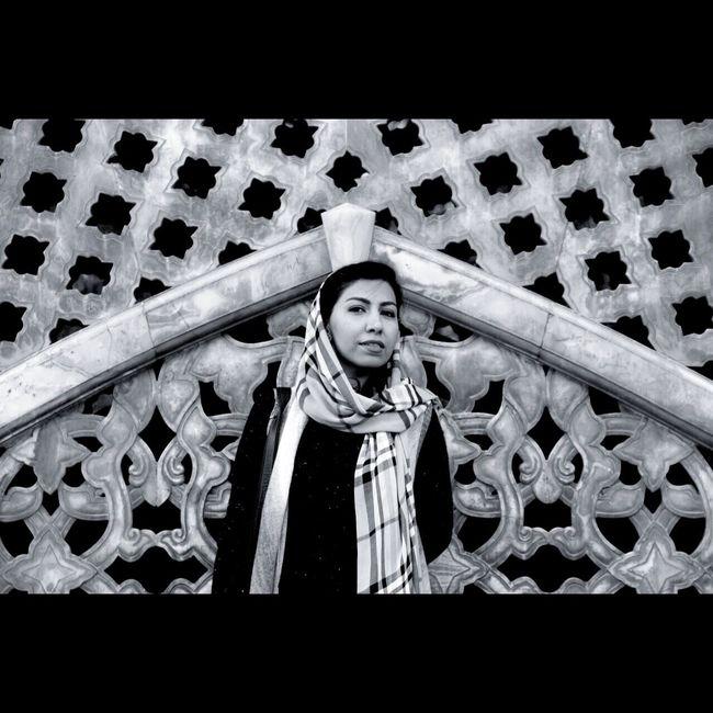 هر گاه رد پای کسی که آرامشم را گرفته بود دنبال کردم، به خودم رسیدم ... - آندره ژید   اودیپ Iran Tehran Golestan Palace Iranian Girl