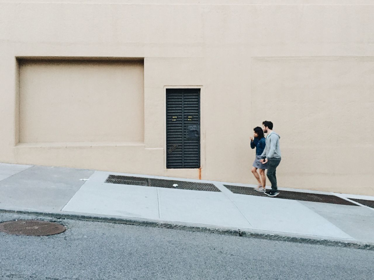 Running up that hill. Urban Geometry Urban Landscape Urbanexploration Architectural Detail Strideby Passing By Cityscapes Minimalism Minimalobsession Minimalmood Street Photography Simplicity Facades EyeEm Deutschland