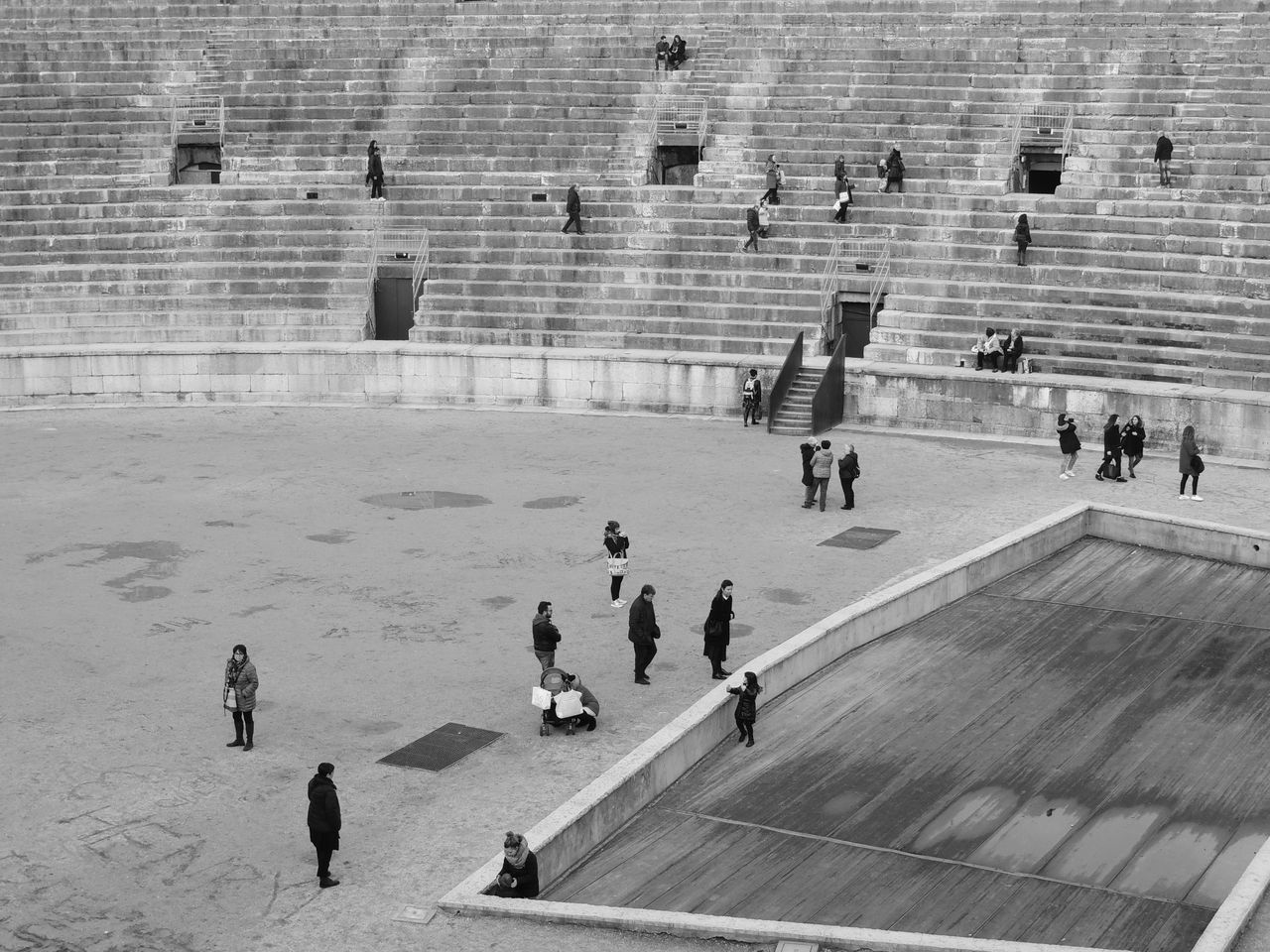 Adult Adults Only Architecture Arena Arenadiverona Black & White Black And White Black And White Photography Black&white Blackandwhite Blackandwhite Photography Building Exterior Day High Angle View Large Group Of People Leisure Activity Lifestyles Men Outdoors People Real People Shadow Sunlight Walking Women