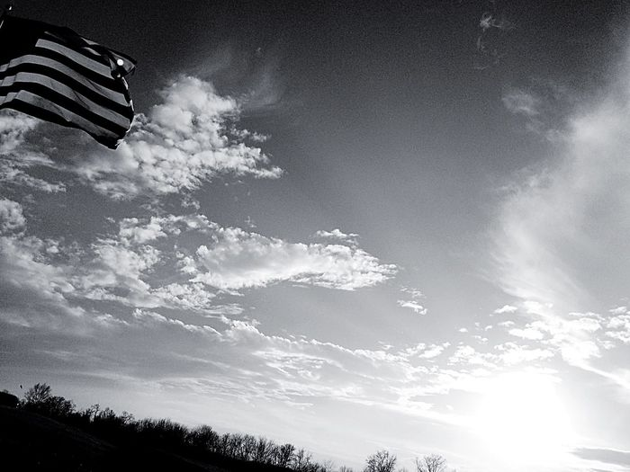 For The Love Of America Patriotism USA Flag Beautiful Day IPhoneography Cloud_collection  Clouds And Sky Clouds Sky Kentucky  Showcase: February Sun Rays Sun EyeEm Nature Lover Mothernature Eyemnaturelover Nature_collection Cloudscape Light And Shadows Nature That Sky Tho! Storm Clouds Blackandwhite Fortheloveofblackandwhite