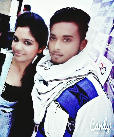 Hii world me and my best friend coming to modeling show 《Mumbai》 . ..♡♥♡.. Relaxing Taking Photos The Fashionist - 2015 EyeEm Awards Street Fashion Hi! That's Me Check This Out Enjoying Life Hanging Out Model