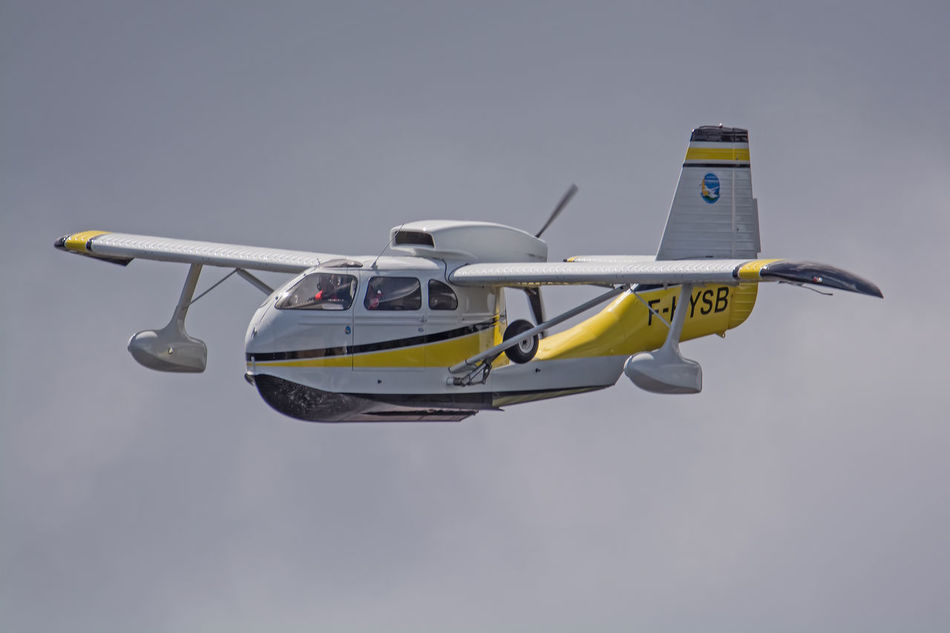 Aircraft Airplane Airshow Biscarrosse Blue Cloud - Sky Day Flight Flying Flying Spirit à Biscarrosse 2016 Journey Low Angle View Meeting Mode Of Transport Nature No People Outdoors Seabee Seaplane Sky Stationary Transportation
