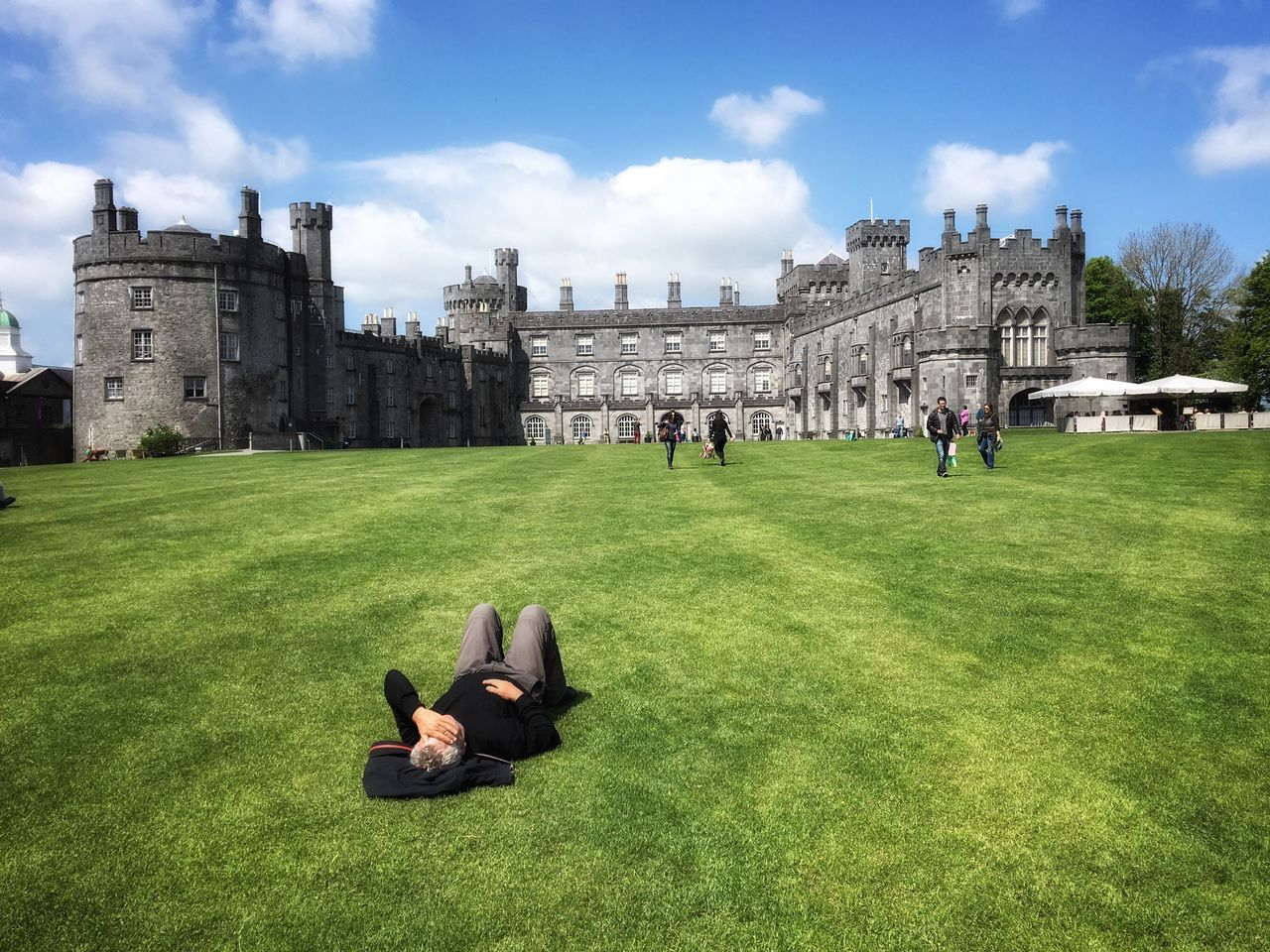 Green Grass Castle Sunny Day Relaxing Springtime Ireland Snapseed IPhoneography Mobilephotography
