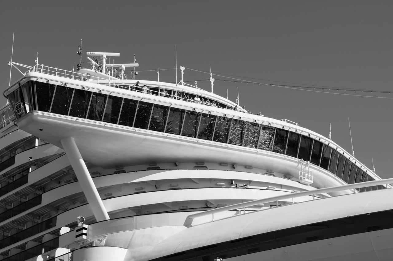 3XSPUnity 8ung Hamburg Black And White Blackandwhite Built Structure Cruise Ship Day EyeEm Best Edits EyeEm Gallery Hamburg Low Angle View Modern Monochrome Nikon Nikon D5200 Nikonphotography Outdoors Part Of Railing Sky Unrecognizable Person