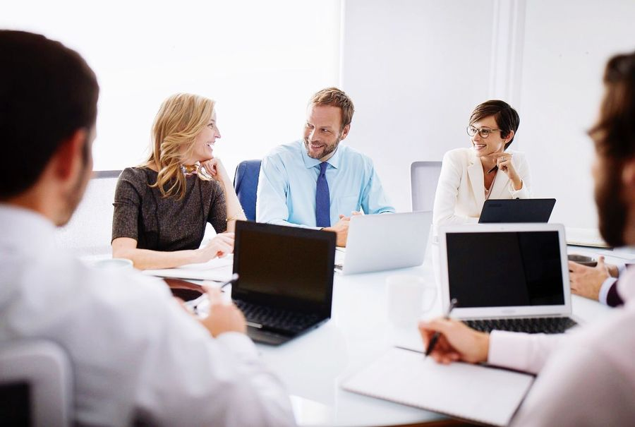 EyeEm Selects Businessman Businesswoman Business Teamwork Indoors  Office Business Meeting Business Person Discussion Women Sitting Men Colleague Meeting Businesswear Partnership - Teamwork Corporate Business Coworker Adult Presentation