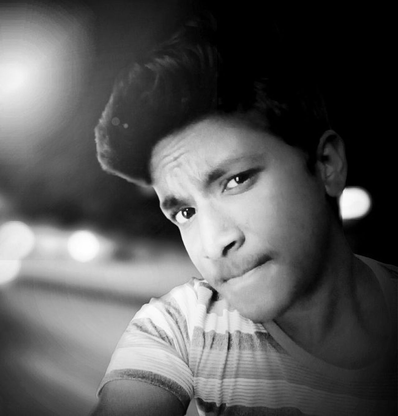 City lights😍Night Citylights Shadow Dark Light Black White Edit Instagram Filter Lux Instaedit Instacool Instalike Instafollow Like4follow Like4like L4l Awesome Selfie Picoftheday Bestoftheday Bestone Bokeh