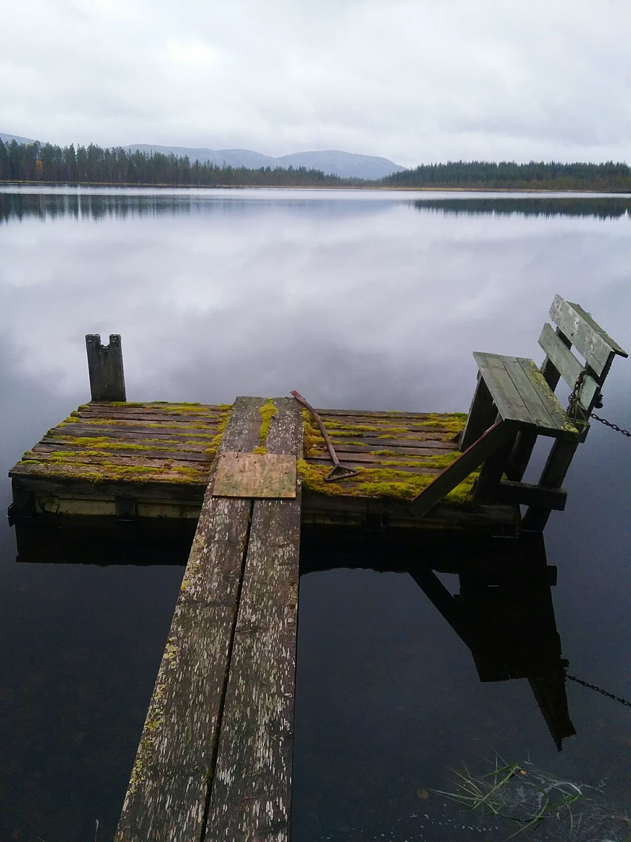 Serenity Lappland Pond Pier Wooden Bench Scenery Nature Photography No People Picturesque Ramshackle Abandoned Gone Beauty Calm Water Tranquil Scene This Is Finland Moss Woods Fell Pyhätunturi My Year My View