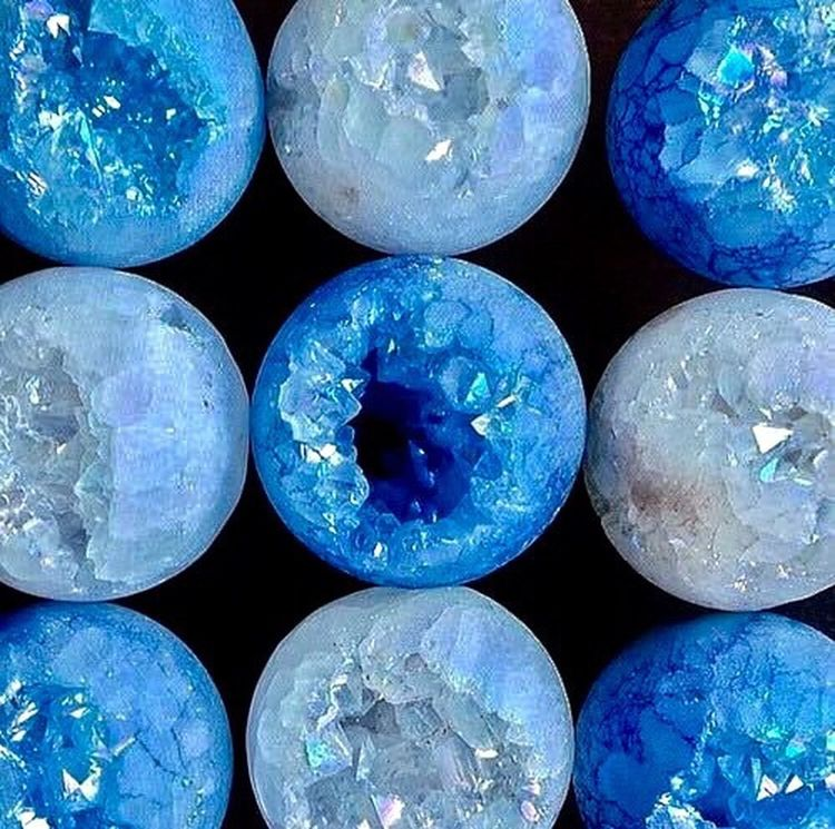 Blue No People Full Frame Indoor Photography Decoração Decoration Blue Water Colour Variously Stone Balls
