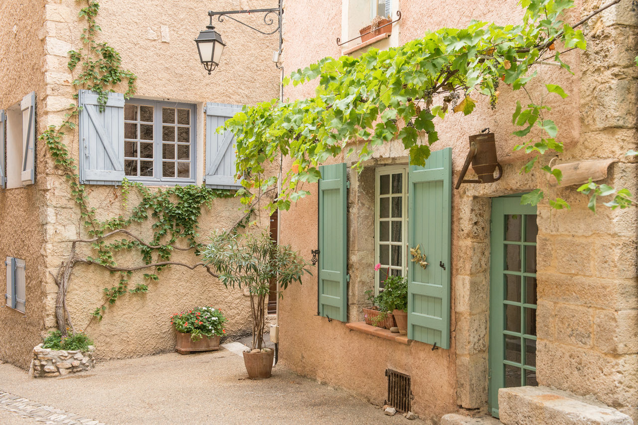Romantic street in Provence France City France Provence Romantic Town, House Street Village