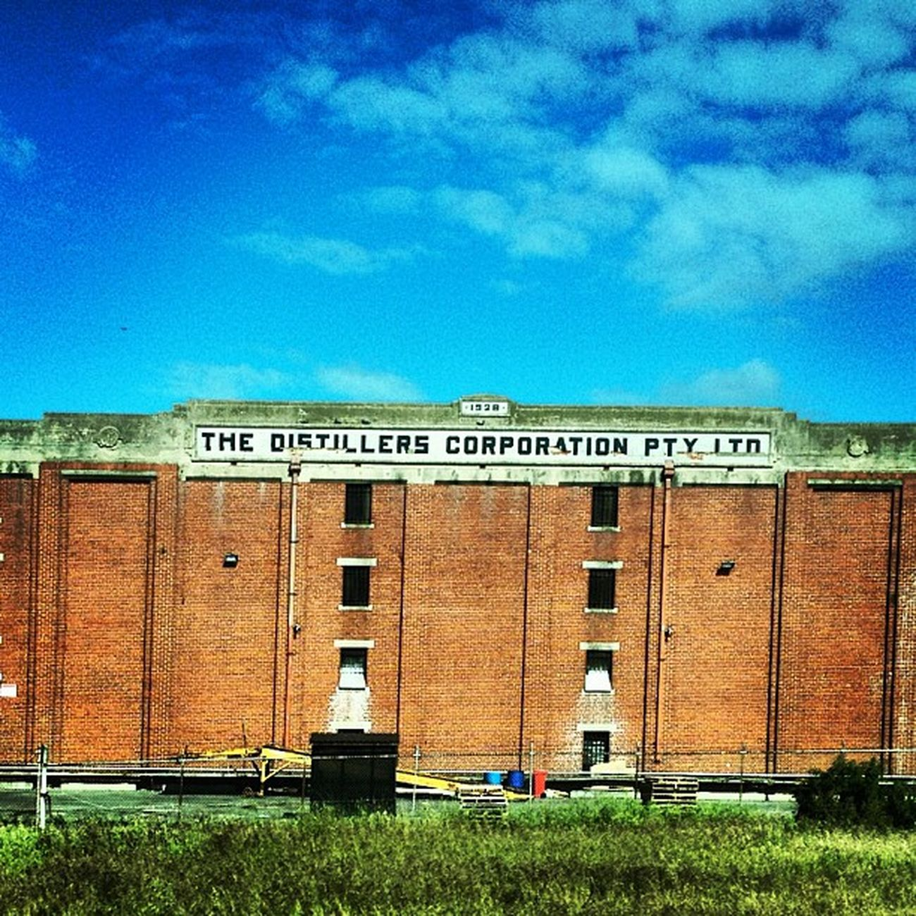 My kind of Corporation! #distillers #history #geelong #brick #brickporn #bluesky #skyporn History Brick Skyporn Bluesky Brickporn Geelong Distillers