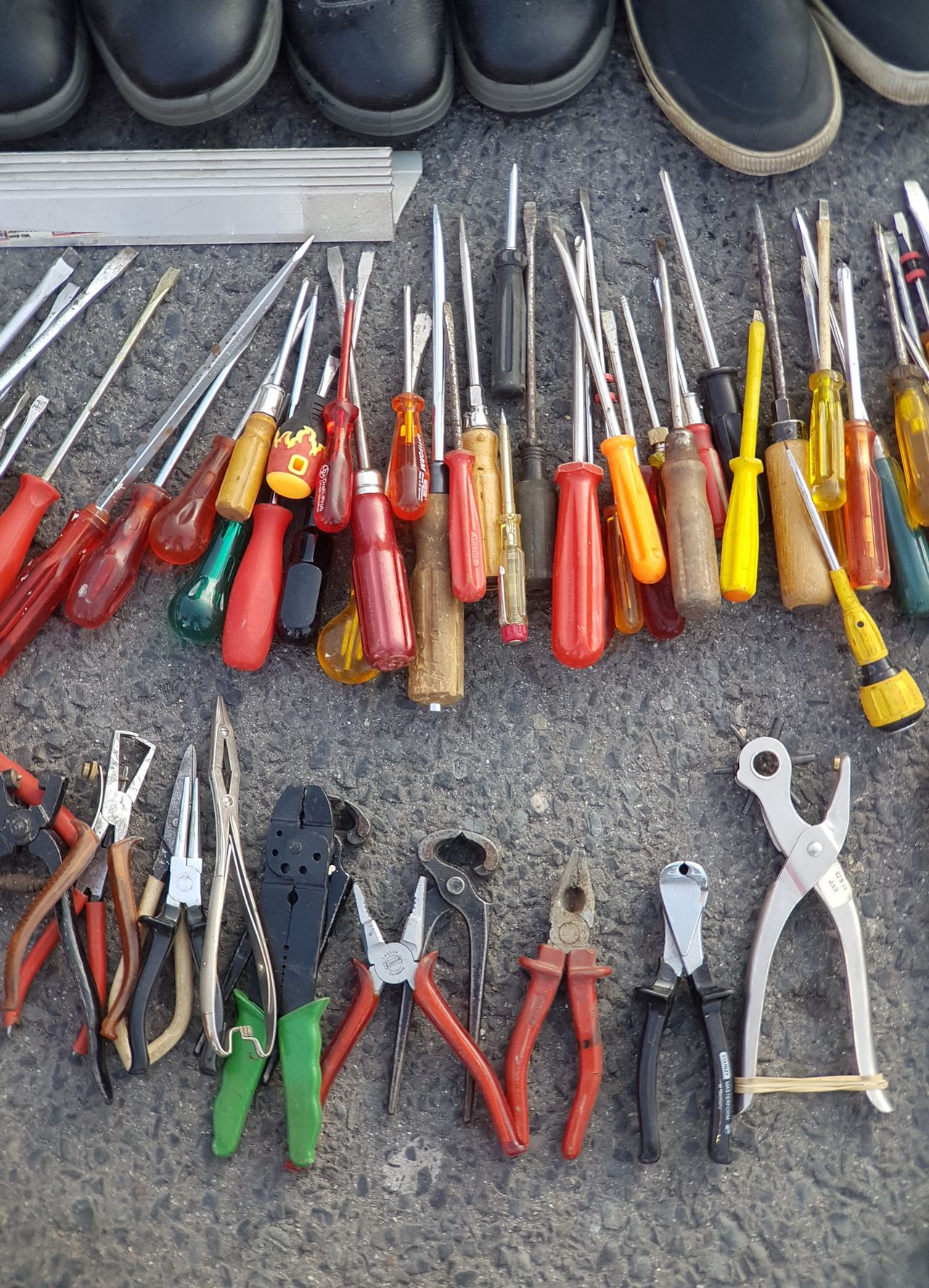 Large Group Of Objects Building Tools Tool Working Tools Working Working Time Backgrounds Background Handmade Selfmade Fleamarket Flea Market Handwork Working Hard Screwdriver Screwdrivers Forcep
