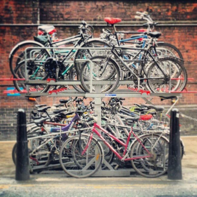 Stacked Waterloo London Bicycles Stacked Cycles Waterlootrainstation Scrapmetal Loads