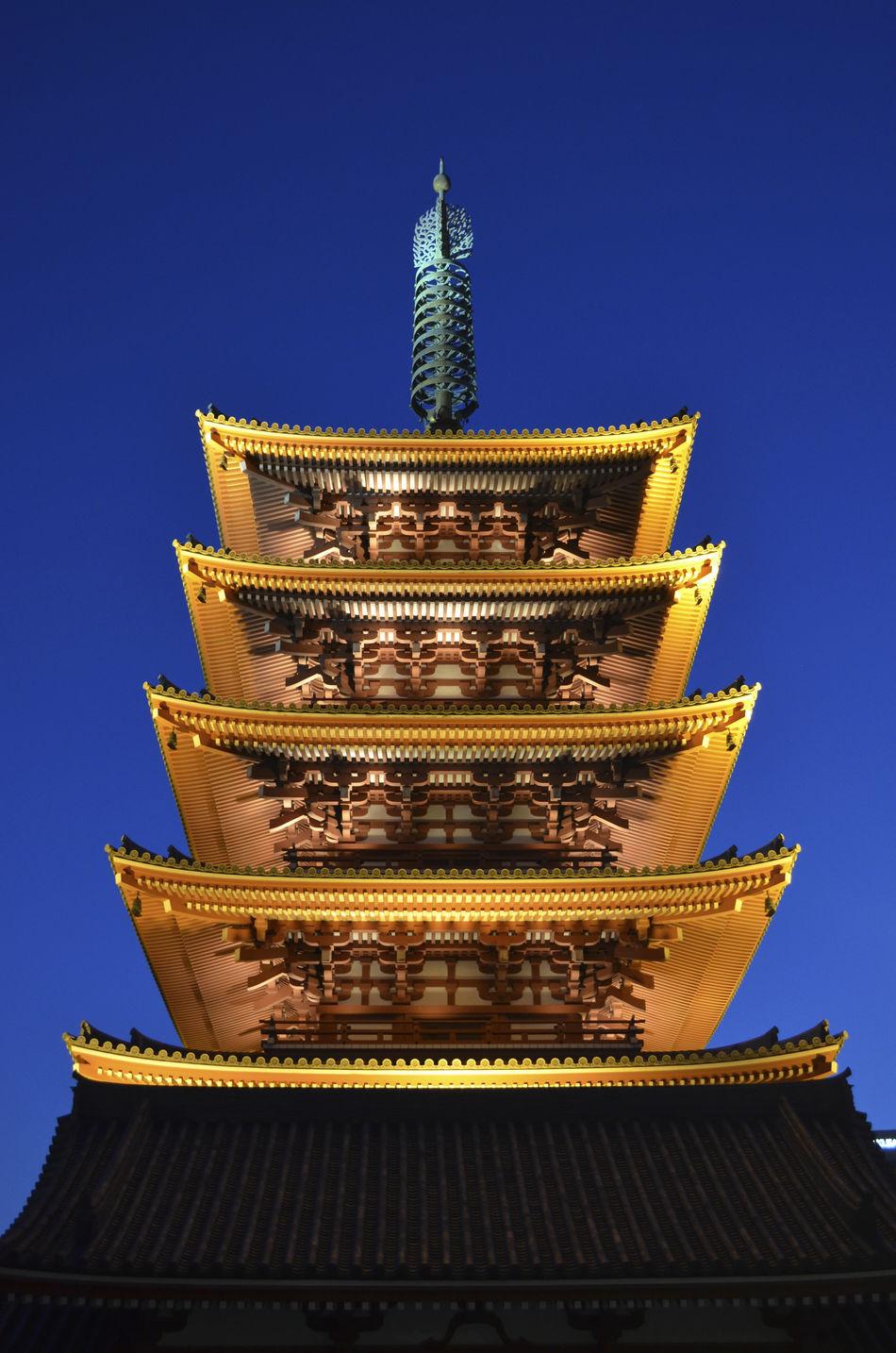 Ancient Architecture City Cultures Japan Japon Night Photography No People Outdoors Pagoda Pagode Religion Santuario Shrine Shrine Of Japan Temples Templo Tokio Tombeau Tourism Tradition Travel Destinations святыня باغودا معبد بوذي 寶塔