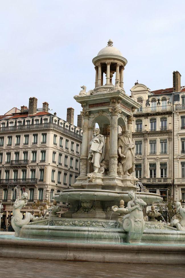 Traveling Lyon Lyon France LyonCity Lyononly Lyon69 Lyon😍 Onlylyon France France Photos France 🇫🇷 Being A Tourist Landscape_photography Place Des Jacobins Jacobins Fountains