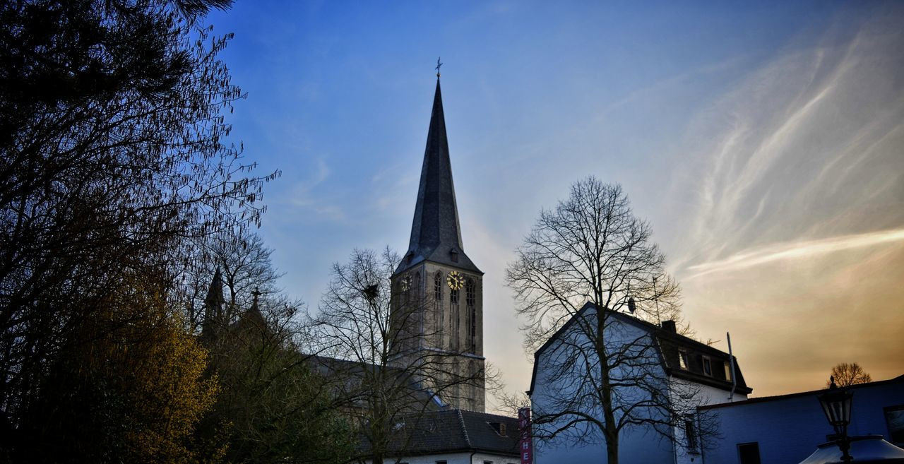 HDR Taking Photos City View  Süchteln St.Clemens Church Color Photography From My Point Of View Nikonphotography Hanging Out Nikon D5200 Sky And Clouds