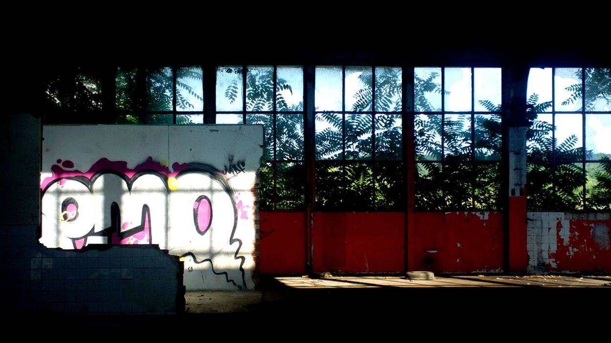 Built Structure Garage Grafit Light No People