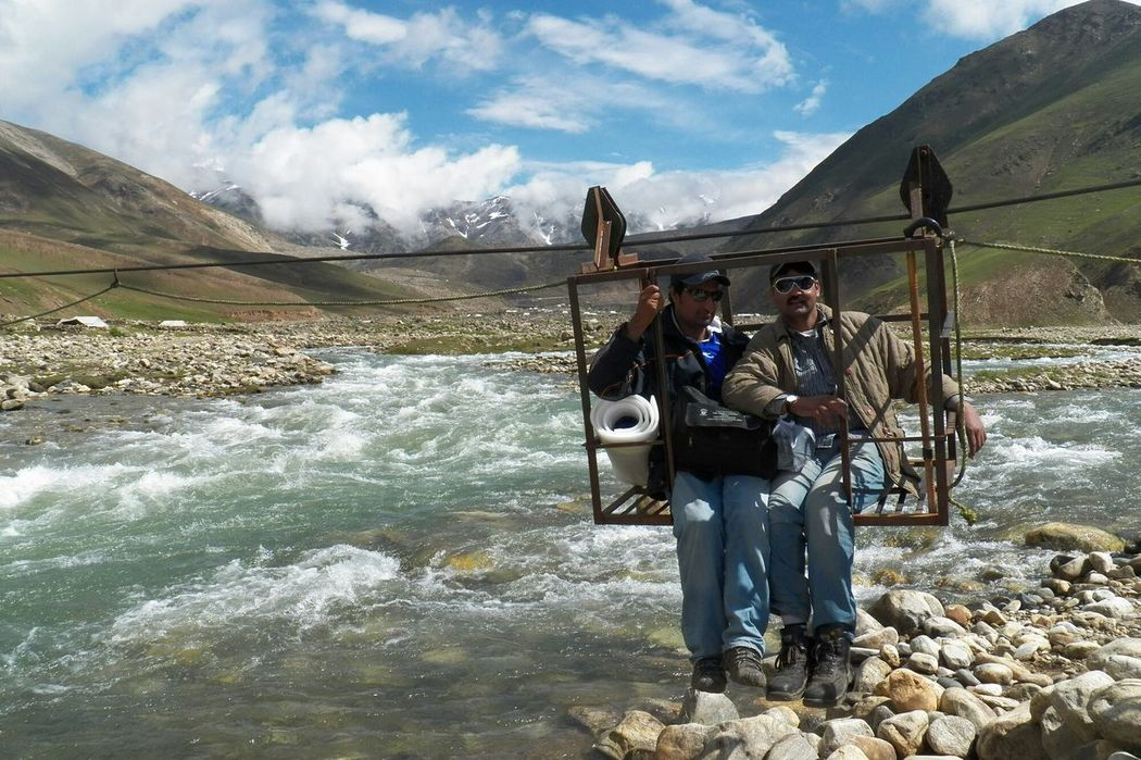 River Kunhar crossing at Baisal. Extreamly Dangerous Real Excietment River Crossing Thriller