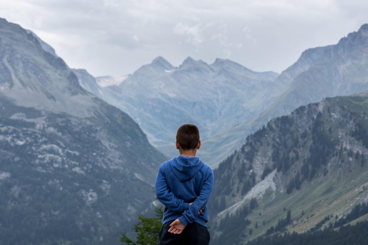 Beautiful stock photos of neujahr,  8-9 Years,  Adventure,  Beauty In Nature,  Blue