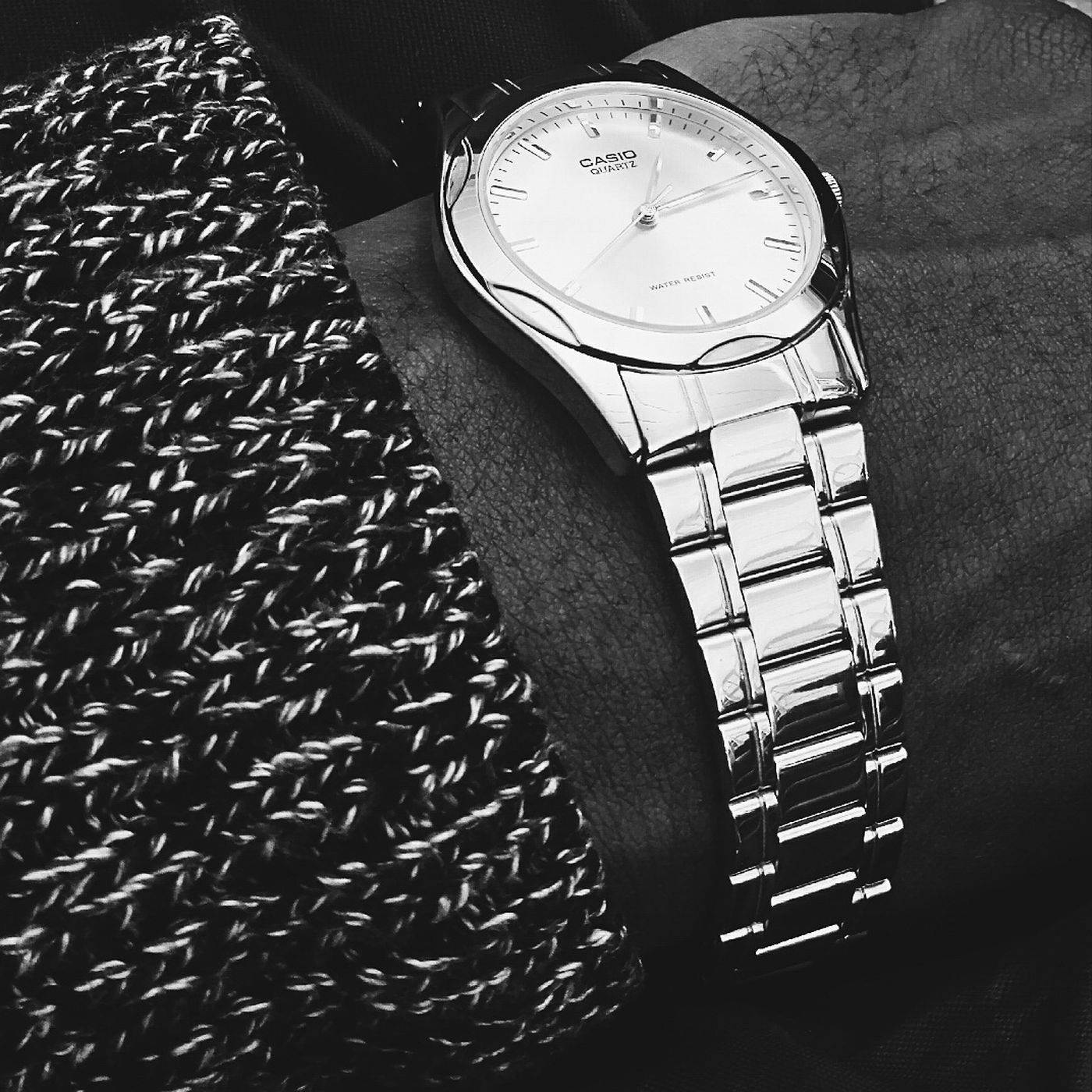 Time piece Black & White Casiowatch Magicstore