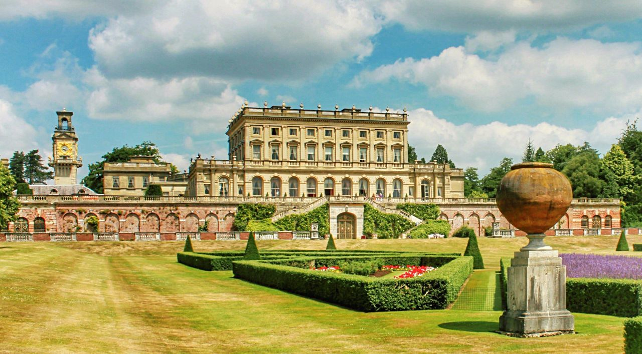 Cliveden House Buckinghamshire England United Kingdom Formal Garden Garden Manor House Manor Blue Sky Sky And Clouds Summer Showcase April Global Photographers Alliance Global Photographer Works Exhibition Composition Postcard - View The Architect - 2016 EyeEm Awards